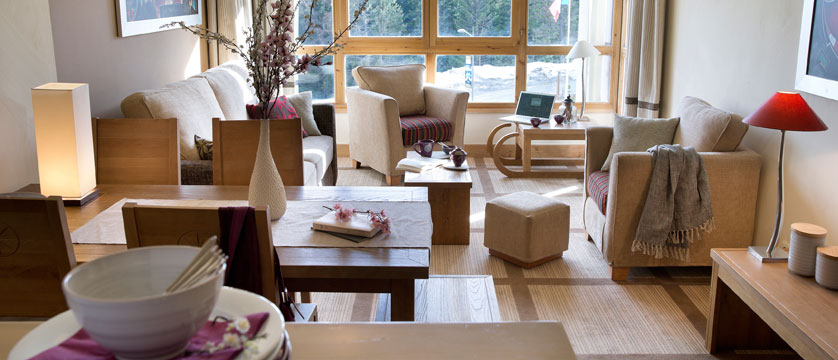 France_Flaine_Montsoleil-terrasses-deos-apartments_Living-room.jpg